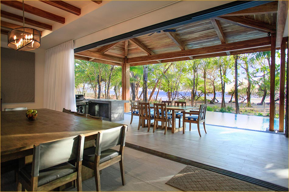 Large beach facing patio and indoor out door living.